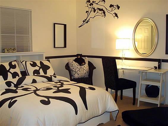 Designer bedroom using floral decals by debbie miller ...