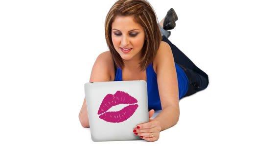 Kiss Kiss iPad decals skins