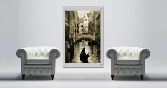 Venice Romance Plexiglass Stand Off